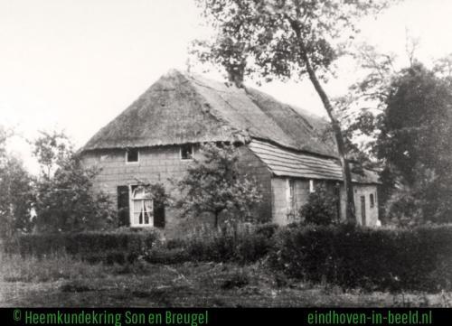 De boerderij van de familie van der Heijden – Keijzers, Aanschot 7. De boerderij werd in 1835 gebouwd en afgebroken in 1974